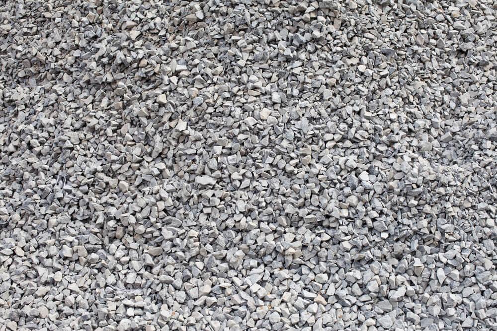 små stykker sten