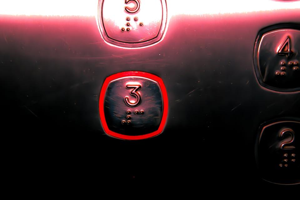 Elevatorknap tredje sal