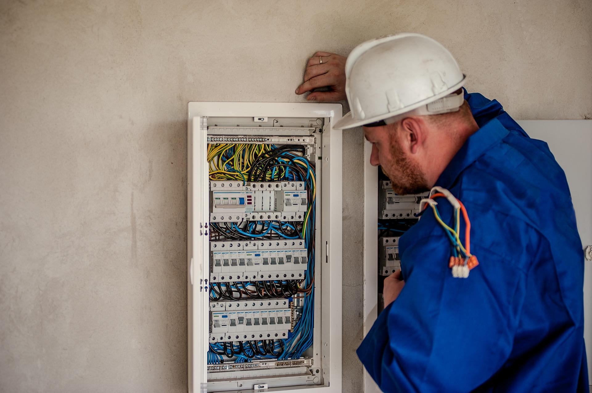 Få hjælp fra en elektriker